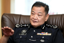 Photo of `Alvin Goh' panjat pagar dicekup polis!